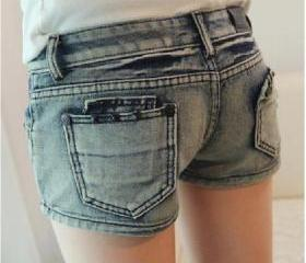 Hole was thin loose denim shorts